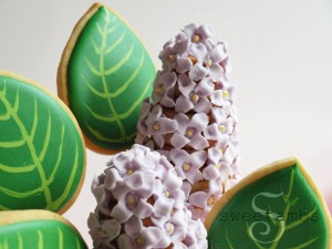 Lilac Cookie Pops