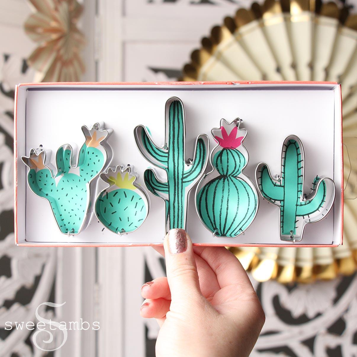 Cute Cactus Cookies! - SweetAmbsSweetAmbs