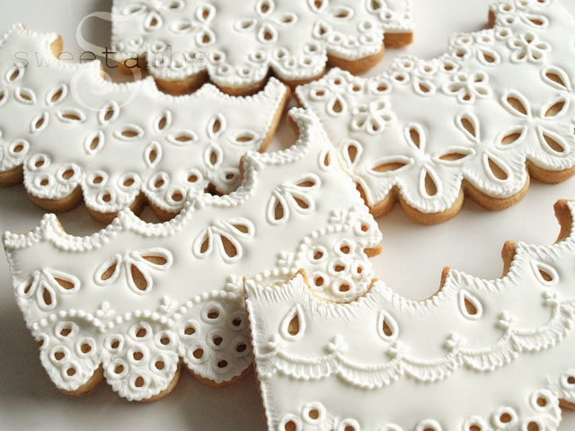 How To Make Eyelet Lace Cookies