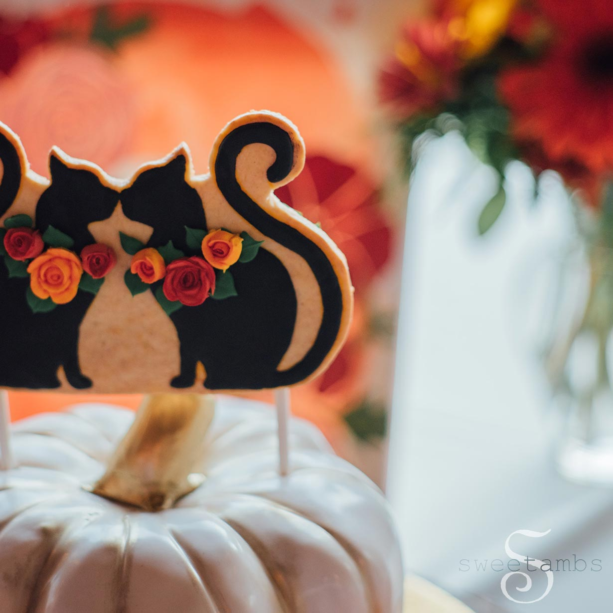 black cat wedding cake toppers black cat cookie wedding cake topper sweetambssweetambs 11859
